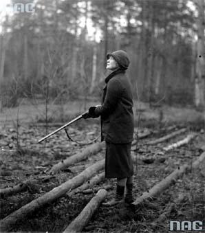 Maria Niezabytowska, polowanie, łowy, Białowieża, Puszcza Białowieska, okres międzywojenny, dwudziestolecie międzywojenne